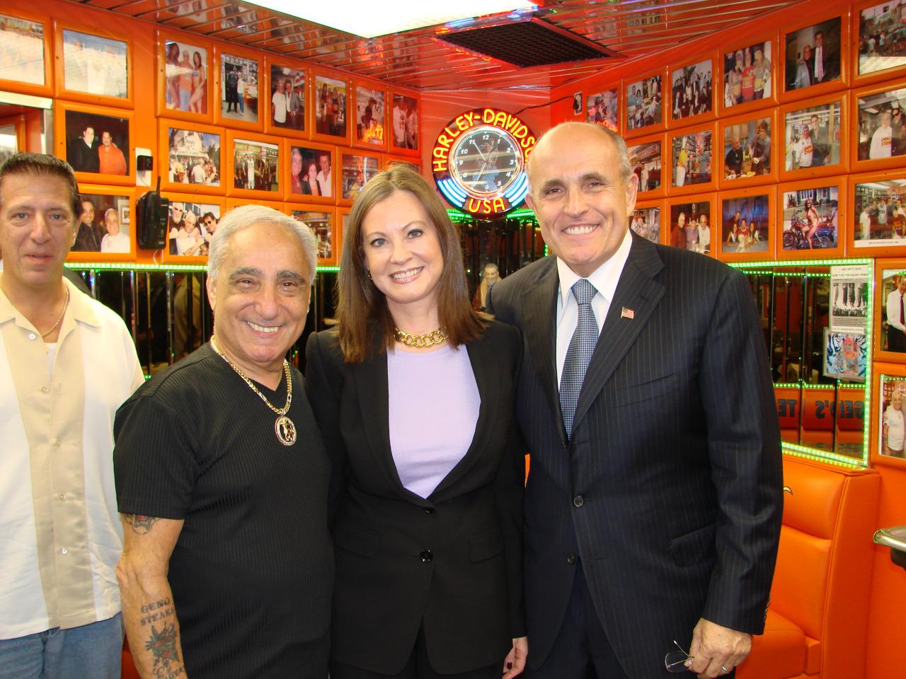 Mayor Rudy Giuliani at Geno's Steaks